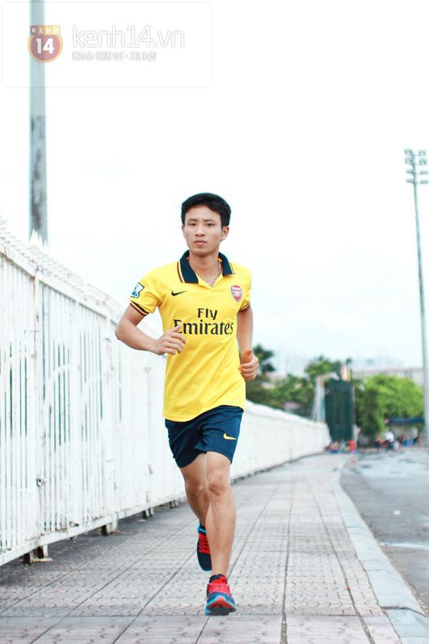Nam sinh 8 năm trước chạy 8km theo đội bóng Arsenal quanh bờ Hồ: Mời mức lương 100 triệu/tháng nhưng từ chối, cuộc đời thay đổi ngoạn mục! - Ảnh 7.