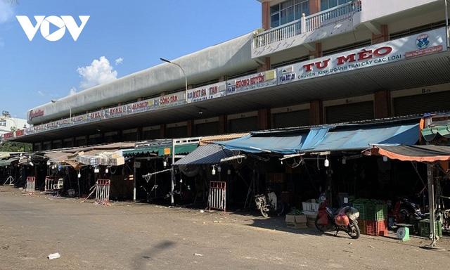 Đóng cửa chợ truyền thống, tăng áp lực cho siêu thị - bài học lớn từ TP.HCM  - Ảnh 1.