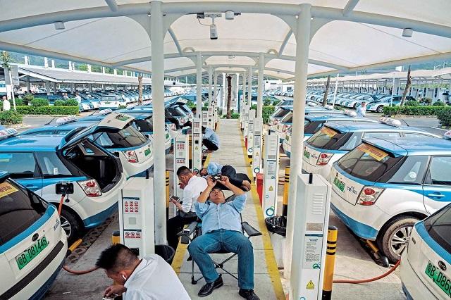 Điều gì khiến tỷ phú xe điện của Trung Quốc được Warren Buffett hậu thuẫn - Ảnh 1.