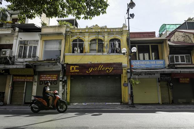 """Chủ quán ăn ở Hà Nội trước giờ đóng cửa: """"20 năm chưa từng gặp khó khăn như dịch bệnh lần này, càng bán càng lỗ"""" - Ảnh 8."""