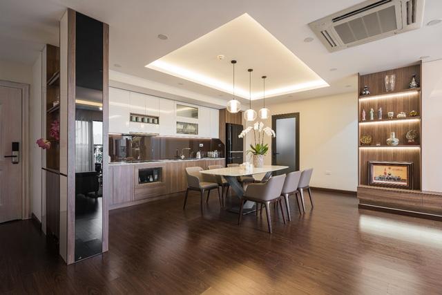 Căn hộ 120m² đẹp sang chảnh chẳng kém gì biệt thự tại Hà Nội  - Ảnh 8.