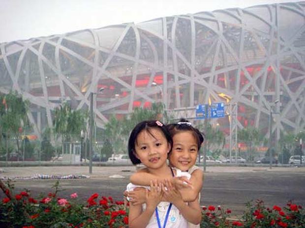 Từ Olympic Tokyo 2020 nhìn lại màn hát nhép gây phẫn nộ thế giới tại Olympic Bắc Kinh 2008, để lại tổn thương sâu sắc cho 2 bé gái tài năng - Ảnh 5.