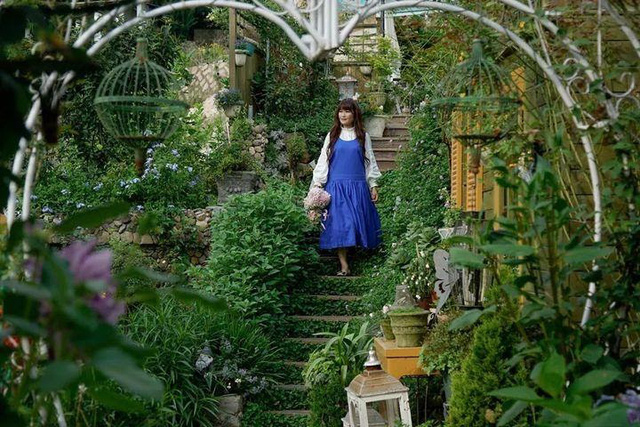 Người phụ nữ bỏ phố về quê để làm vườn hoa 1.500m2 tuyệt đẹp, ngày cao điểm hút 3.000 người đến thăm: Nửa đời người về sau, hãy dành cho chính mình  - Ảnh 8.