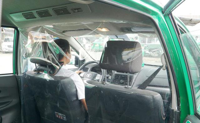 200 taxi hỗ trợ người dân Hà Nội khi giãn cách hoạt động thế nào?  - Ảnh 1.
