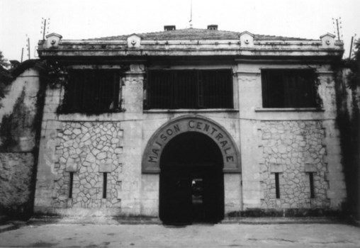 """The story of Hoa Lo Prison: """"Hell on Earth"""" in the heart of Hanoi, after more than a century is still the scariest place in Southeast Asia - Photo 1."""