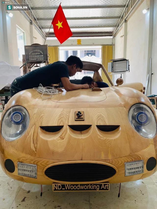 Thợ Việt làm siêu xe đắt nhất thế giới bằng gỗ cực chất, khiến báo ngoại trầm trồ  - Ảnh 3.