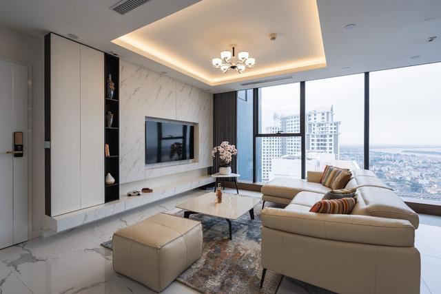 Khám phá căn hộ duplex sở hữu tầm view bao trọn sông Hồng trong khu nhà giàu bậc nhất Hà Nội  - Ảnh 1.