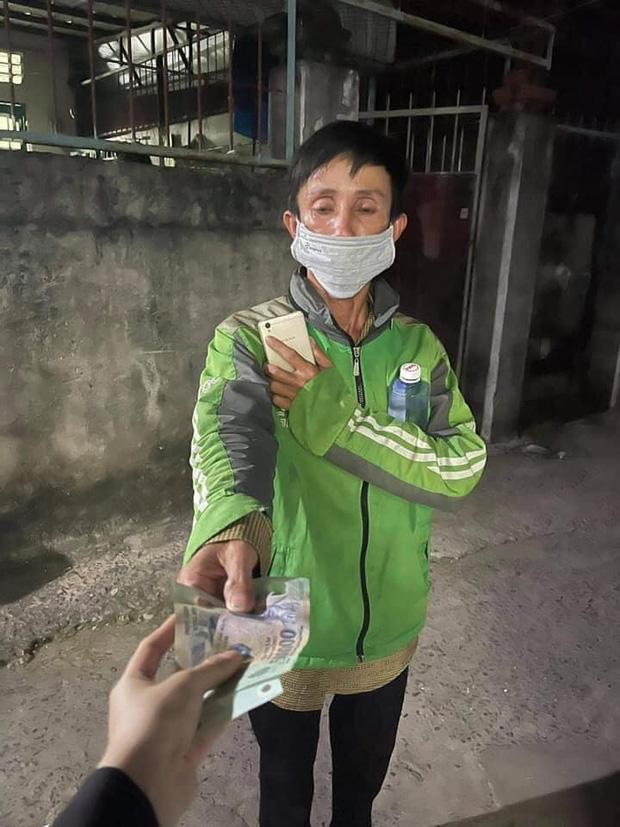 Shipper nghèo bị lừa mất xe máy bất ngờ nhận được chiếc xe SH từ đôi vợ chồng tốt bụng giữa Sài Gòn - Ảnh 3.