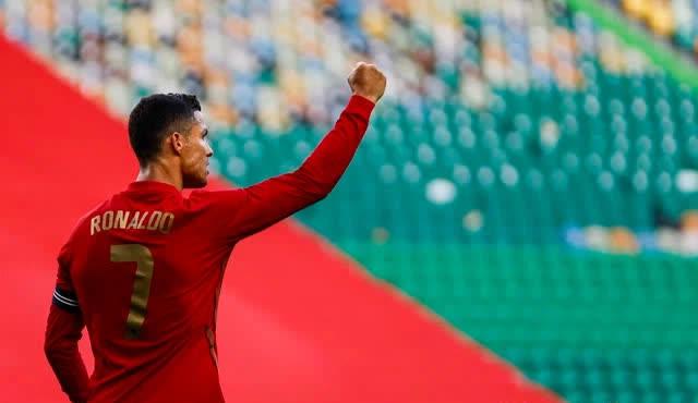Tại sao Cristiano Ronaldo xứng đáng là hình mẫu chuẩn mực cho lối sống của đàn ông? Khát khao thành công, mãnh liệt không giấu diếm - Ảnh 2.