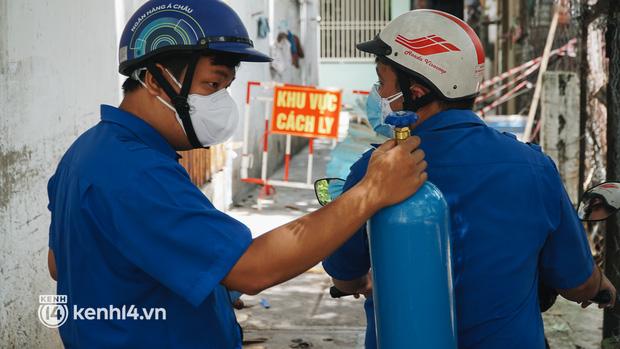 """""""Cha đẻ"""" ATM gạo cho ra đời ATM Oxy và câu chuyện bình oxy cứu sống một người cha ở Sài Gòn trong đêm - Ảnh 17."""