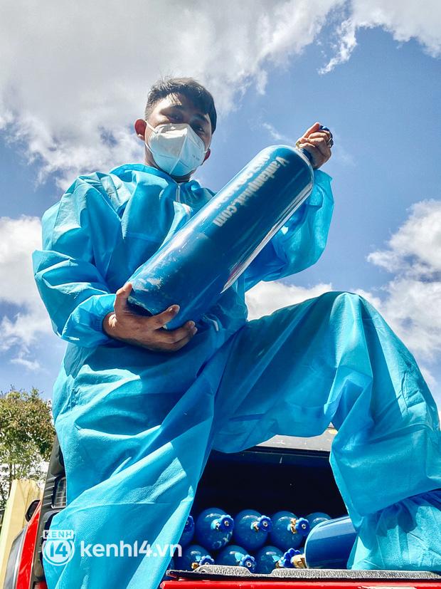 """""""Cha đẻ"""" ATM gạo cho ra đời ATM Oxy và câu chuyện bình oxy cứu sống một người cha ở Sài Gòn trong đêm - Ảnh 9."""