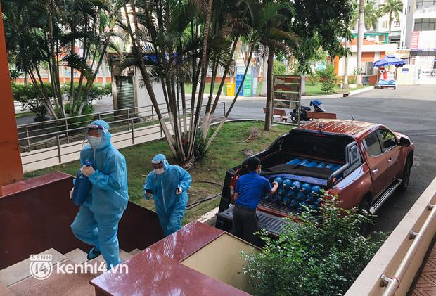 """""""Cha đẻ"""" ATM gạo cho ra đời ATM Oxy và câu chuyện bình oxy cứu sống một người cha ở Sài Gòn trong đêm - Ảnh 10."""