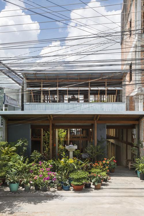 Ngôi nhà lụp xụp ở Châu Đốc lột xác ngoạn mục nhờ KTS Nhật Bản, view rộng bao la bước đến đâu chill đến đó - Ảnh 1.