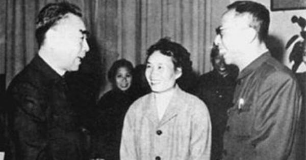 Để lại 1 cuốn sách, Phổ Nghi khiến người vợ thứ 5 vướng vào kiện tụng suốt 10 năm, thắng kiện hôm trước, hôm sau qua đời  - Ảnh 4.
