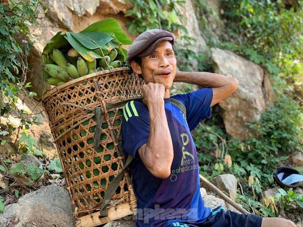 """Báo quốc tế đồng loạt đưa tin về sự ra đi của """"Người rừng Việt Nam"""" Hồ Văn Lang: Nhà thám hiểm nước ngoài nghẹn ngào tiếc thương - Ảnh 1."""