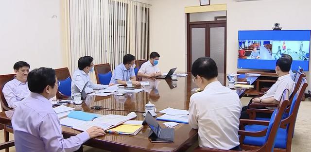Gần 12h đêm, Thủ tướng gọi lãnh đạo huyện An Phú: Huyện đỏ quạch như thế rồi mà vẫn không triển khai trạm xá lưu động là như thế nào?  - Ảnh 3.
