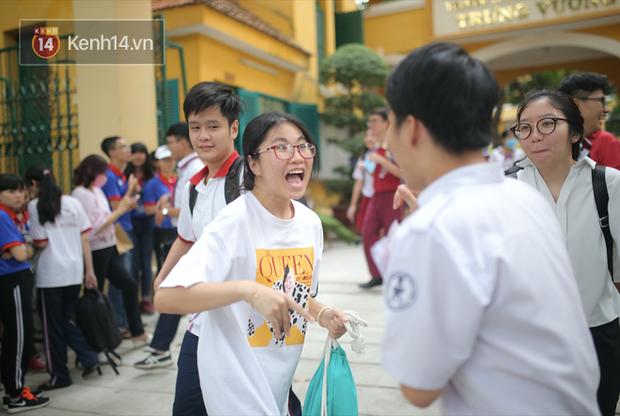 MỚI: Hà Nội xem xét cho học sinh trở lại trường vào đầu tháng 11 khi thành phố tiêm phủ mũi 2 vắc xin - Ảnh 1.