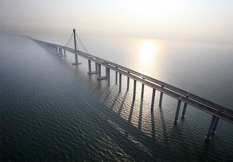 Từ các dự án xây cầu ở Mỹ, Thuỵ Điển, Trung Quốc đến cầu 8.900 tỷ đồng nối quận Hoàn Kiếm với Long Biên: Tác động kinh tế mang lại là gì?  - Ảnh 5.