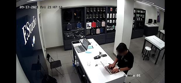 Vụ đánh cắp thông tin nhạy cảm của khách hàng: FPT Shop sa thải 3 nhân viên, cảnh báo các tài khoản giả mạo - Ảnh 2.