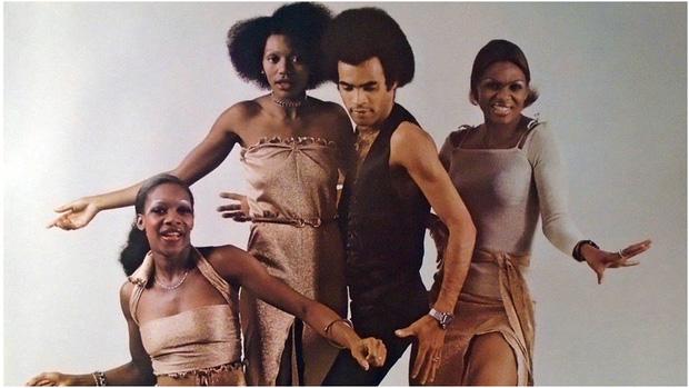 Vụ lừa đảo lớn nhất lịch sử âm nhạc: Nhóm 4 người siêu nổi tiếng nhưng chỉ 1 người biết hát, và giọng đó là của... ông bầu? - Ảnh 6.