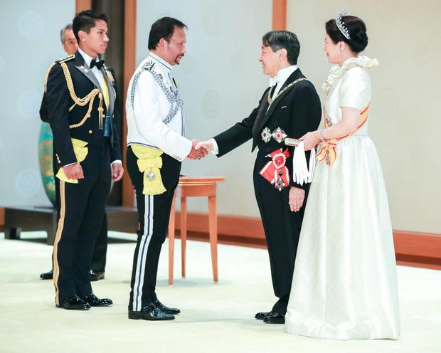 """Hoàng tử điển trai nhất Brunei - người thừa kế 20 tỷ USD """"cực phẩm"""" từ đầu đến chân từng làm MXH náo loạn giờ có cuộc sống thế nào? - Ảnh 6."""