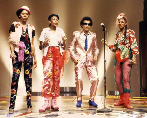 Vụ lừa đảo lớn nhất lịch sử âm nhạc: Nhóm 4 người siêu nổi tiếng nhưng chỉ 1 người biết hát, và giọng đó là của... ông bầu? - Ảnh 9.