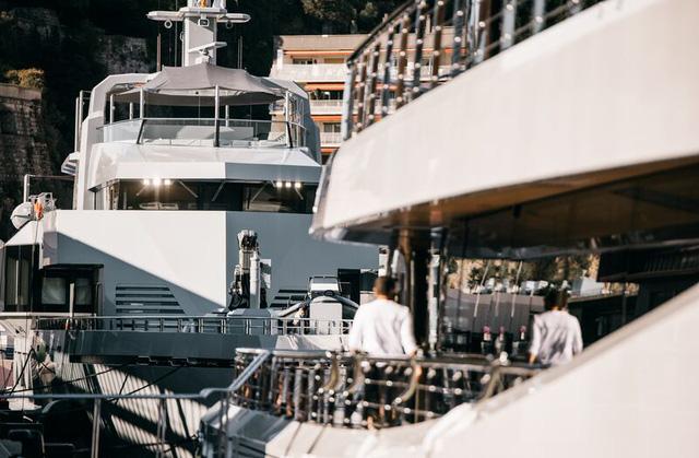 Cảnh xa xỉ tại triển lãm du thuyền Monaco, nơi quy tụ tài sản của nhà giàu thế giới  - Ảnh 3.
