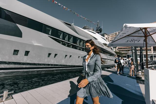 Cảnh xa xỉ tại triển lãm du thuyền Monaco, nơi quy tụ tài sản của nhà giàu thế giới  - Ảnh 8.