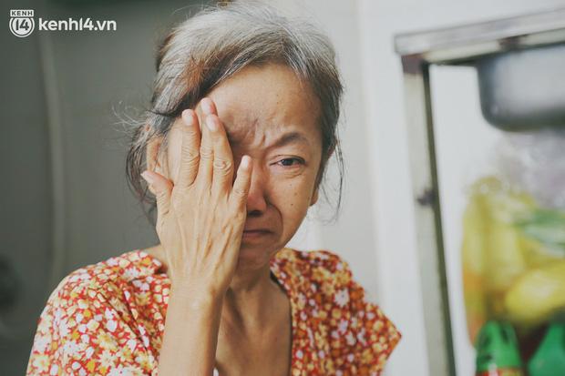 Gặp người vợ gục khóc cạnh xe lăn của chồng từng được Giang Kim Cúc giúp đỡ: Cô Cúc không liên lạc nữa, giờ cô chỉ mong được đi bán vé số lại - Ảnh 4.
