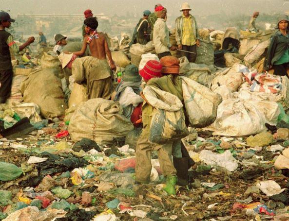 Ngày nào còn đi nhặt rác, giờ cô bé này có cuộc sống khiến ai cũng ghen tị: Tri thức đúng là con đường ngắn nhất đến thành công! - Ảnh 5.
