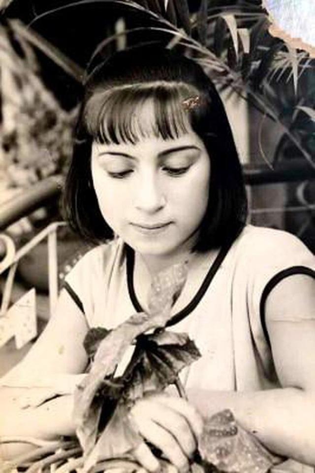 Cuộc đời đáng nhớ của Phi Nhung: Từng được mệnh danh là nữ hoàng băng đĩa, trở thành mẹ nuôi của 23 đứa trẻ, chăm chỉ làm thiện nguyện đến những ngày cuối cùng - Ảnh 2.
