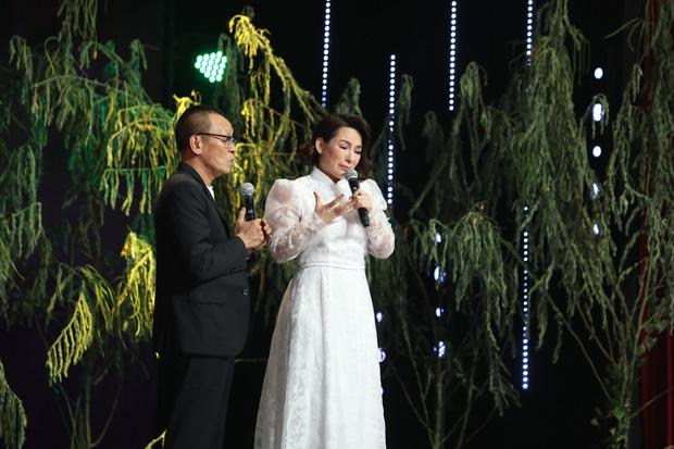 Tuổi thơ bất hạnh của cố ca sĩ Phi Nhung: Bị bỏ ngoài chùa, mẹ qua đời mới dám nói chuyện - Ảnh 3.