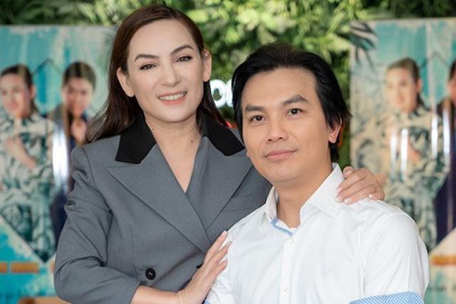Cuộc đời đáng nhớ của Phi Nhung: Từng được mệnh danh là nữ hoàng băng đĩa, trở thành mẹ nuôi của 23 đứa trẻ, chăm chỉ làm thiện nguyện đến những ngày cuối cùng - Ảnh 5.