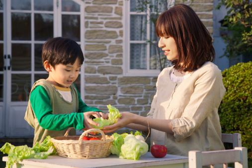 Kết quả hình ảnh cho những bà mẹ ở Nhật