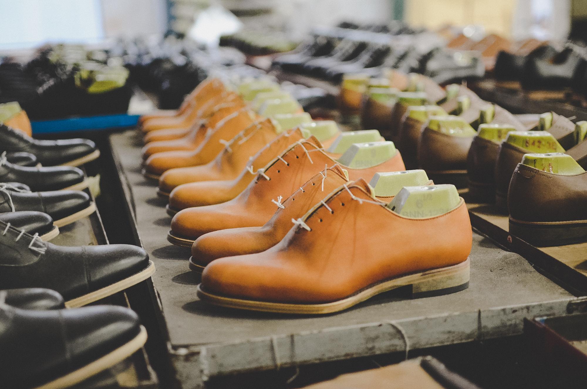 Nơi robot không thay thế được con người: 150 nhân công, 300 đôi giày thủ công cao cấp mỗi ngày và ước mơ khởi nghiệp của doanh nhân Miền Tây sinh năm 1976 - Ảnh 11.