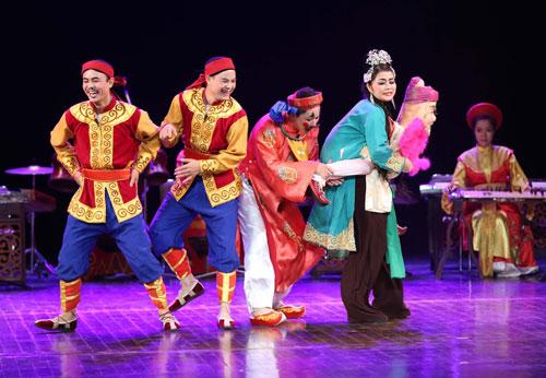 Hình ảnh buổi biểu diễn nghệ thuật ở Nhà hát lớn Hà Nội