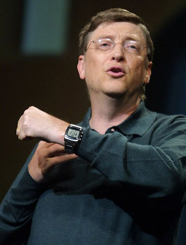 Bill Gates với chiếc đồng hồ thương hiệu Casio có giá siêu hạt dẻ chỉ 10 USD.