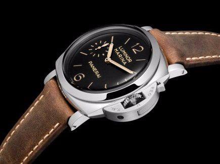 Paneral Luminor Marina một trong những chiếc đồng hồ yêu thích của Ellison.