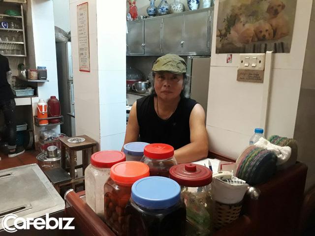 """Chủ nhân quán cà phê Giảng: Chúng tôi vẫn bán cà phê kiểu """"hữu xạ tự nhiên hương"""", có chất lượng khách hàng tự sẽ tìm đến - Ảnh 1."""