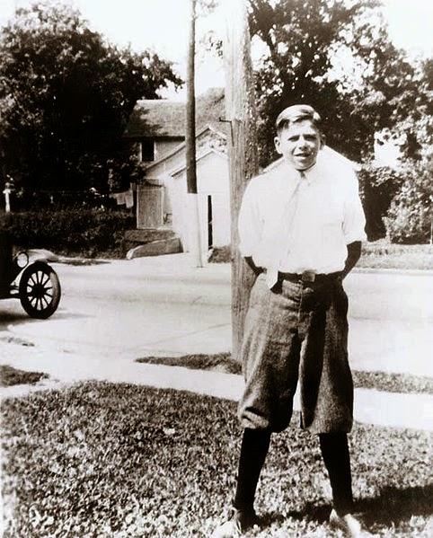 Cậu bé Ronald Reagan hồi nhỏ