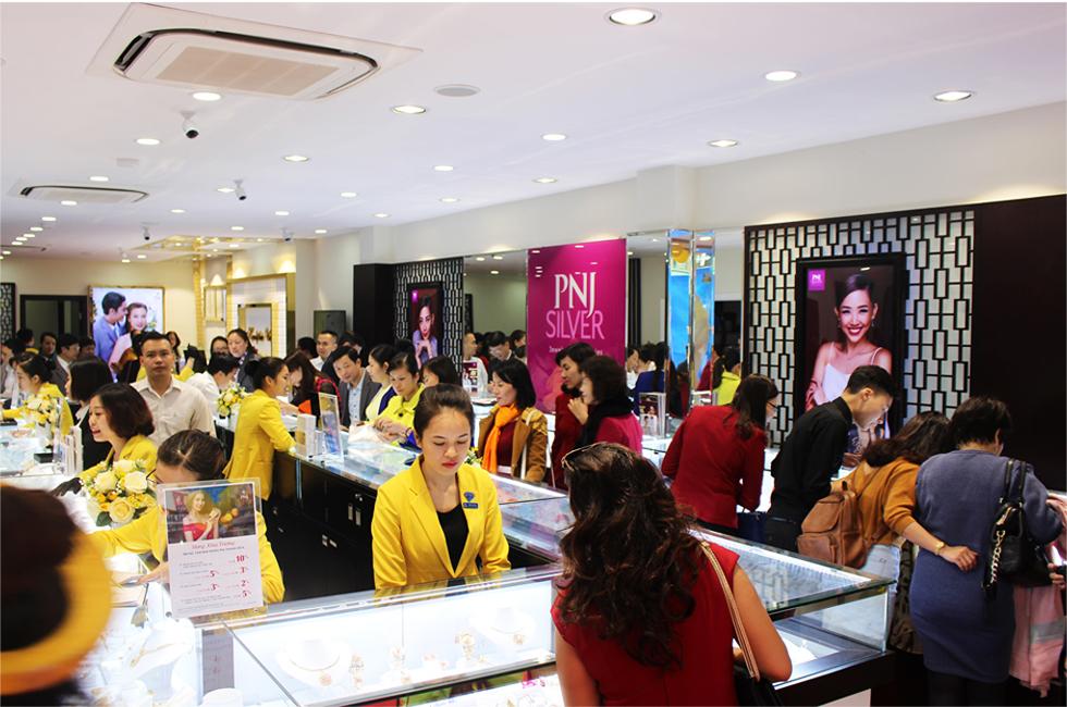 Bà Cao Thị Ngọc Dung: Từ cán bộ Nhà nước tới nữ tướng có tầm nhìn xa tới 2 thập kỷ, biến PNJ thành nhà bán lẻ trang sức số 1 Việt Nam - Ảnh 9.