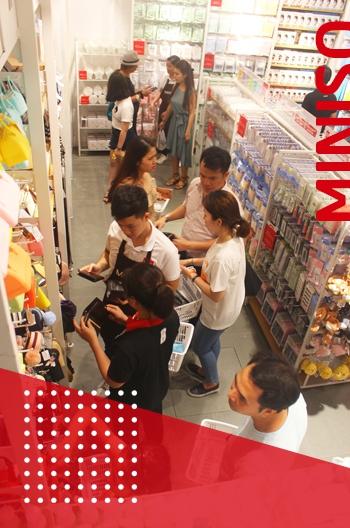 Mỗi ngày lại mở thêm 2 cửa hàng mới, Miniso đang 'xâm chiếm' thế giới với tốc độ ngang 7-Eleven thời hoàng kim - Ảnh 8.