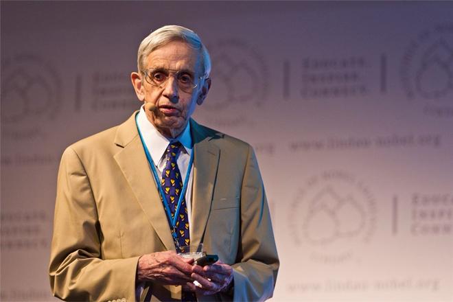 John Nash: Những điểm cân bằng của một tâm hồn đẹp - Ảnh 11.
