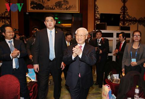 Tổng Bí thư Nguyễn Phú Trọng gặp gỡ các doanh nghiệp Trung Quốc.