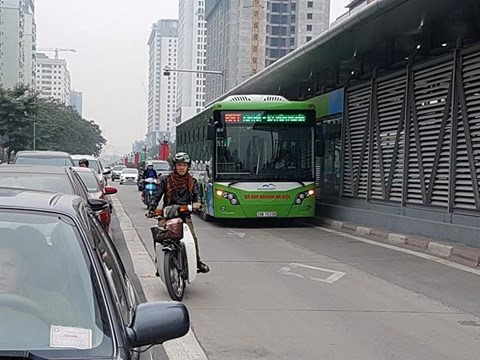 Trong 1 tháng đầu năm 2017, buýt nhanh BRT Hà Nội đã vận chuyển hơn 370.000 lượt khách