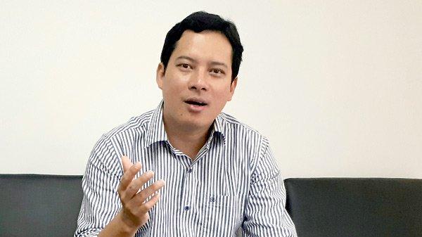 Phó Cục trưởng Cục PTTH&TTĐT Lê Quang Tự Do trả lời phỏng vấn VietNamNet. Ảnh: H.P.