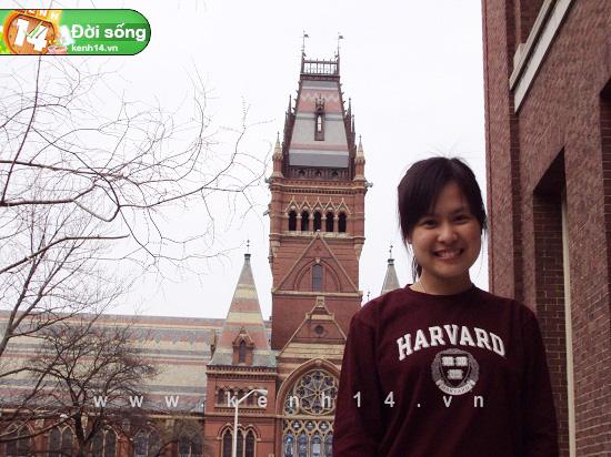 Tôn Hà Anh tại Đại học Ha Harvard (Ảnh: Kenh14.vn)