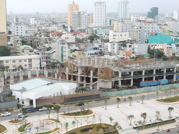 Dự án Golden Square do Công ty cổ phần Địa ốc Đông Á làm chủ đầu tư đã nằm bất động như thế này nhiều năm liền
