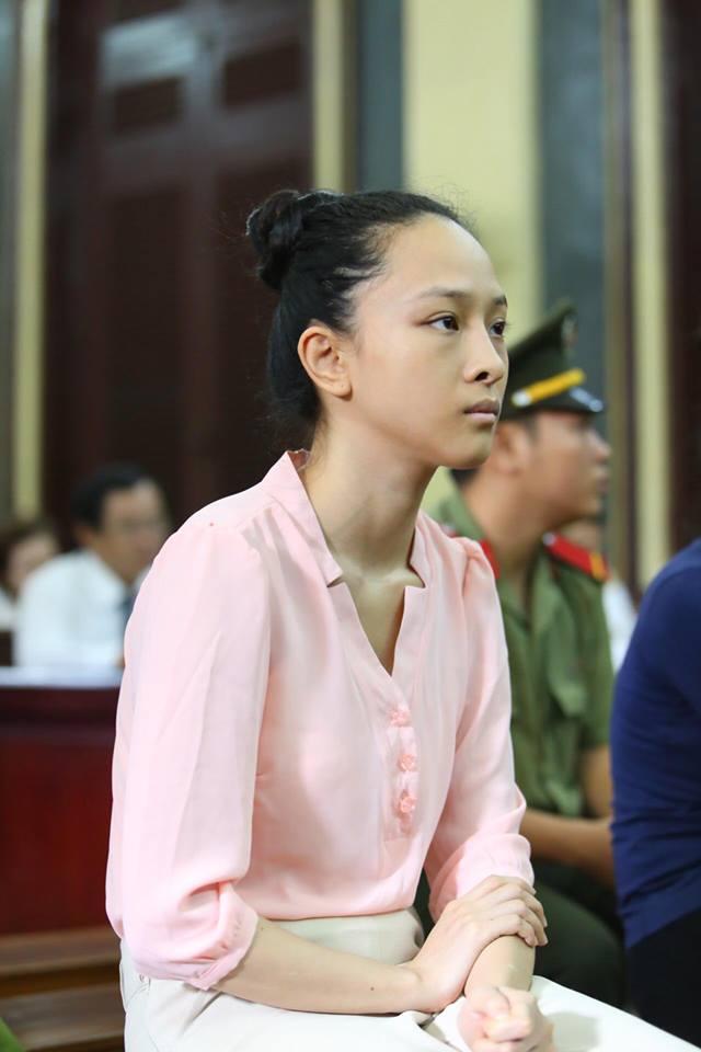 Trong 2 ngày 22 và 23/6, vụ án hoa hậu Trương Hồ Phương Nga đã được tòa án TP HCM đưa ra xét xử. Hiện tại phiên tòa đang tạm dừng và sẽ tiếp tục xét xử vào sáng ngày 26/6. Tại tòa, lời nói và cách trả lời kiên quyết của Phương Nga cũng đã gây ấn tượng với nhiều người.