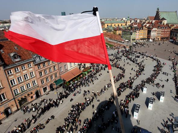 Hành trình thoát nghèo của Ba Lan: Từ bán lông thú đi lên bán máy móc - Ảnh 3.